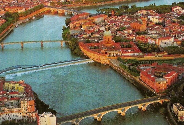 La Garonne, Le Bazacle, Rive gauche St Cyprien, La Grave, les ponts des catalans, St Perre et Pont Neuf