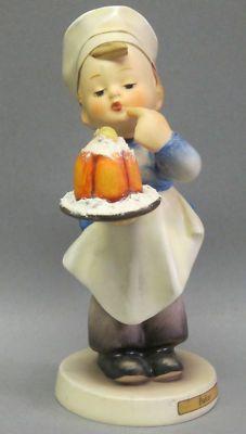 """Baker""#128. 5""with base Full bee. 1950"