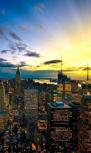 Nueva York - una de las ciudades más excitantes del planeta. Aquí milagrosamente entrelazan el pasado y el futuro, la hermosa naturaleza y los enormes rascacielos modernos, artistas locos y hombres de negocios serios. La zona más famosa - Manhattan atrae a muchos turistas que quieren ver el Empire State Building, un memorial en el sitio del World Trade Center, la Metropolitan Opera, para admirar la estatua de la libertad, visitar el Museo de Arte Moderno, Iglesia de la Trinidad, Times…