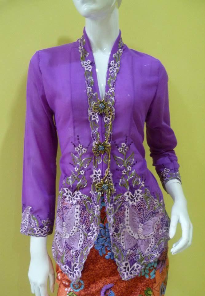 Purple Kebaya Nyonya