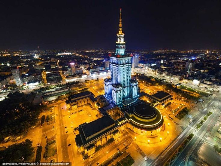 To get this image of the Palace of Culture and Science, the largest building in Poland and home to cinemas, pools, museums, libraries, theaters and concert halls in Warsaw, the two entered a nearby building that was under construction and hid from the guards in a construction cradle on the roof.