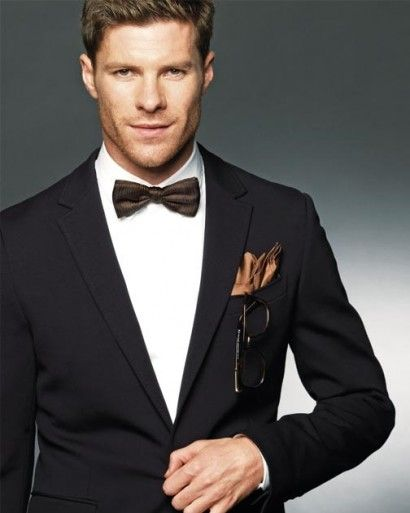 Xabi Alonso looking good off the field!!