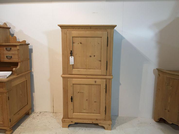 Small Old Pine Two Door Linen Cupboard (T3005C)
