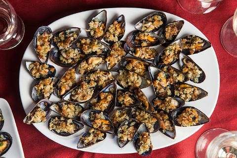 """Mussels with Garlic and Breadcrumbs Recipe _ Adapted from """"Rachel's ..."""