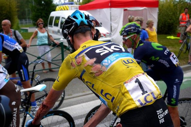 Chris Froome crashes on stage six of the 2014 Criterium du Dauphine - Chris Froome: 'Nothing broken' after Criterium du Dauphine crash - Froome thanks other riders for slowing up to let him back in the bunch!