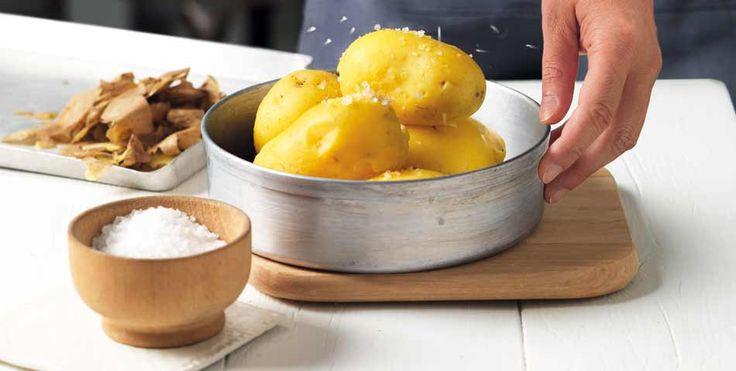 La patata svolge in cucina un importante ruolo grazie alle caratteristiche organolettiche e alla particolare consistenza. Scopri le varietà e come utilizzarle in cucina.