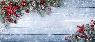 Árbol De Navidad - Descarga De Over 49 Millones de fotos de alta calidad e imágenes Vectores% ee%. Inscríbete GRATIS hoy. Imagen: 10792206