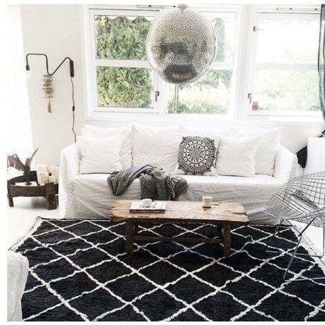 les 25 meilleures id es de la cat gorie tapis noir et blanc sur pinterest. Black Bedroom Furniture Sets. Home Design Ideas