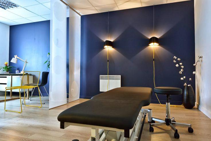 AdC l'Atelier d'à Côté : aménagement intérieur, design d'espace et décoration: Aménagement et décoration d'un cabinet d'ostéopathe moderne et coloré