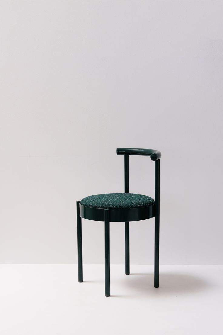 Knoll life chair geek - Soft Chair Is A Minimalist Chair Created By Australia Based Designers Daniel Emma