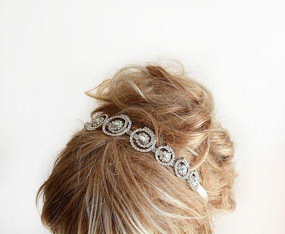 Accessoires pour cheveux de mariage avec bandeau en strass Mariage par ADbrdal, $ 44,00 # mariée #marie #marieaccessoire #weddinghair #weddingveil