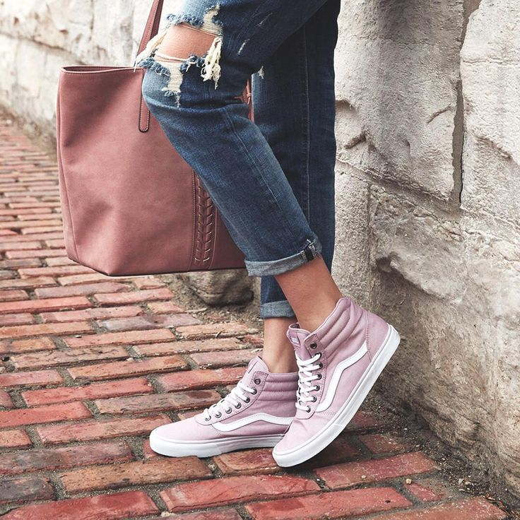 Pink high top vans, boot cut jeans, mauve rose tote.
