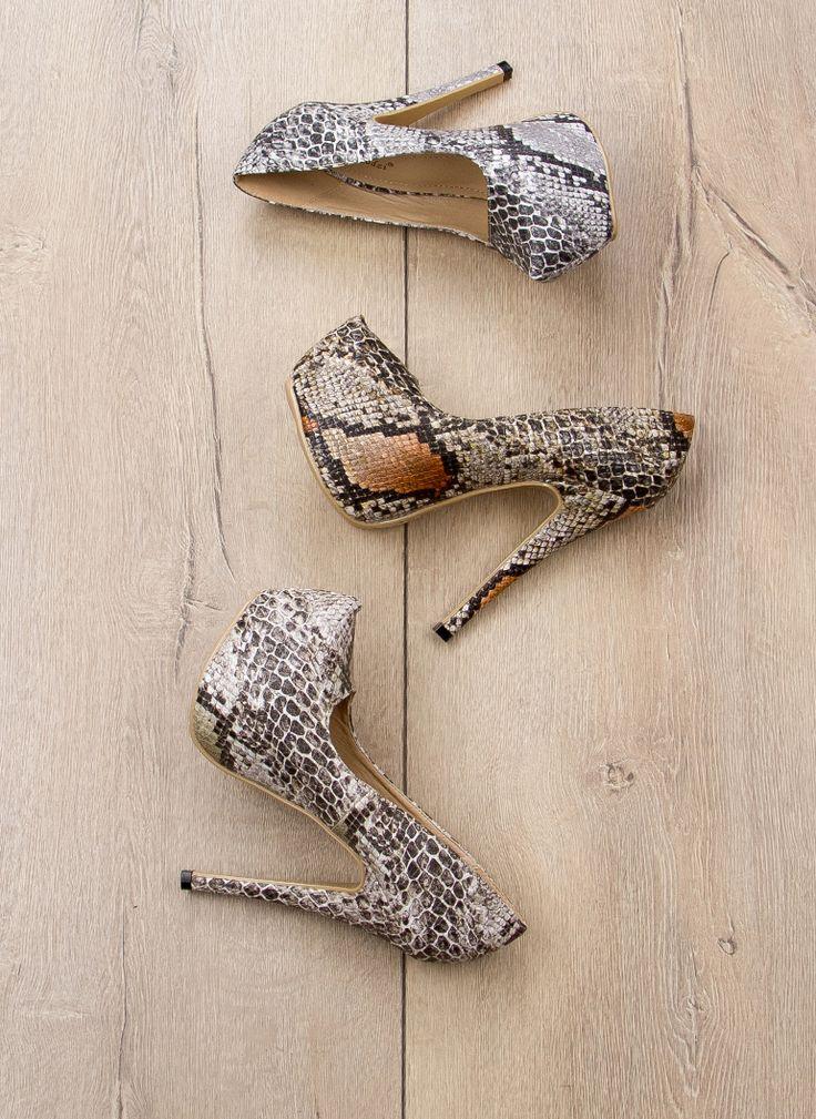 Platformy Sally Silvery Grey Heels / Platformy / Obuwie damskie - Modne buty, stylowe ubrania i obuwie damskie, sklep z butami i ubraniami, modne buty letnie i zimowe - DeeZee.pl