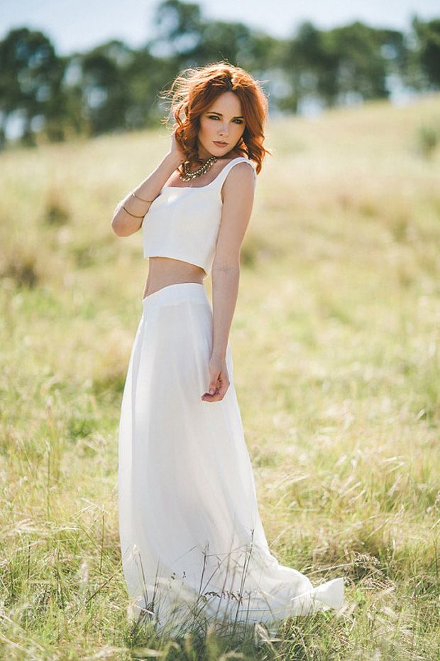 bride, natural, outdoor wedding, outfit, casual, rural, country