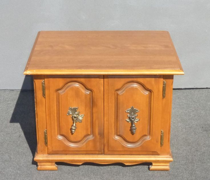 Vintage French Provincial END TABLE Nightstand #FrenchProvincial #Unknown ·  End TablesMaple FurnitureFrench ProvincialNightstandsVintage