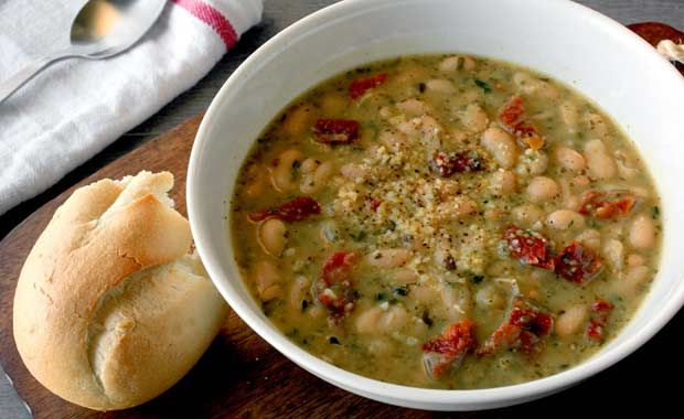 8 Filling Fall Soup Recipes with 5 Ingredients or Less  http://www.eatclean.com/recipes-how-to/clean-eating-fall-soup-recipes?cid=soc_Eat%2520Clean%2520-%2520eatcleanfeed_FBPAGE_Eat%2520Clean__