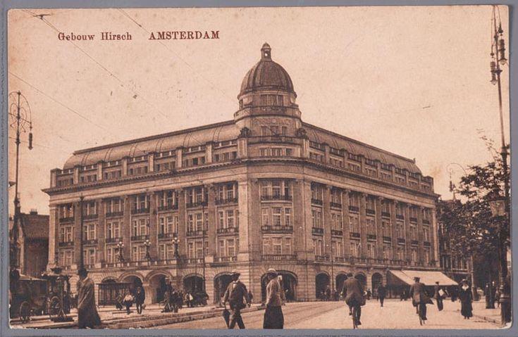 prentbriefkaart van het gebouw van de firma Hirsch aan het Leidseplein in Amsterdam, ca. 1919