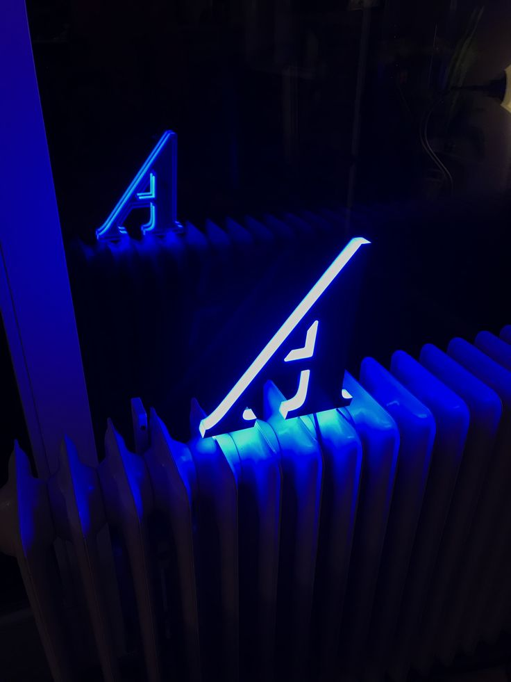 Die besten 25+ Leuchtbuchstaben Ideen auf Pinterest beleuchtetes - bunte glas trennwande spielerisch