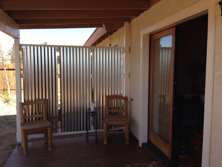 Diy corrugated privacy screen and wind break backyard for Patio deck privacy screen