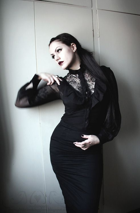 Living for the spangled moment - victorian-goth: Victorian goth...