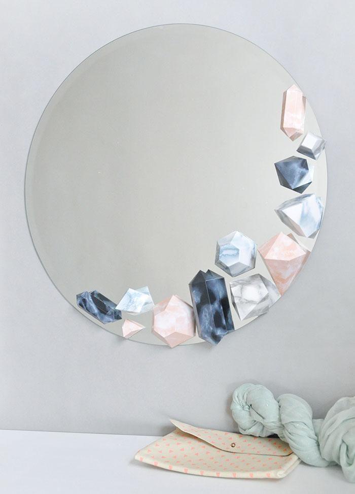 Оригинальный декор для зеркала