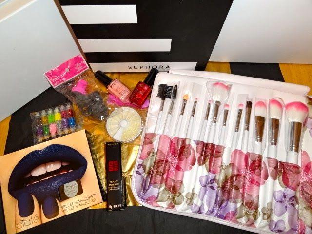 Jusqu'au 12/02 !!! Accessoires make-up &nd nails art, 1 coffret CIATE, 1 rouge à lèvres GIVENCHY et 2 vernis KIKO répartis en quatre lots !!!