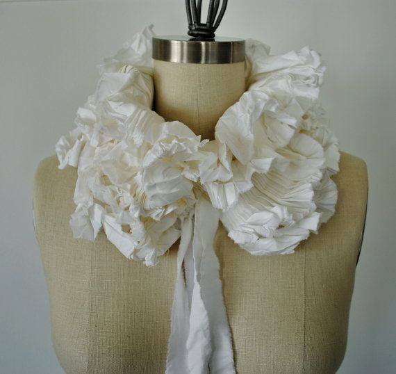 how to make a detachable ruffle collar