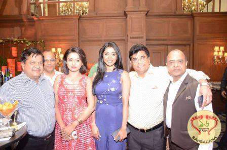 Upcoming Bengali film Asamapto Stars Meet the Press; Suman Mukhopadhyay's New Engaging Story on Human Relationships  Read more: http://sholoanabangaliana.in/blog/2016/05/15/upcoming-bengali-film-asamapto-stars-meet-the-press-suman-mukhopadhyays-new-engaging-story-on-human-relationships/#ixzz48k7WgWQ7