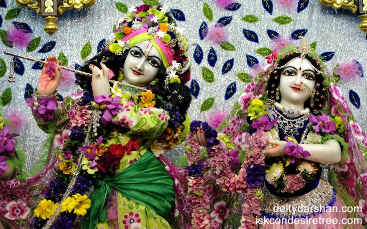 To view Radha Gopinath Wallpaper of ISKCON Chowpatty in difference sizes visit - http://harekrishnawallpapers.com/sri-sri-radha-gopinath-close-up-wallpaper-007/