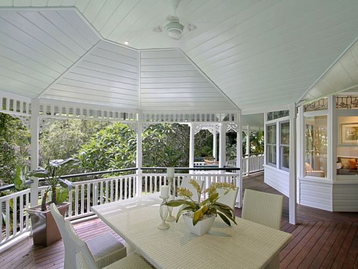 Queenslander Verandah just perfect..lovely renovation.