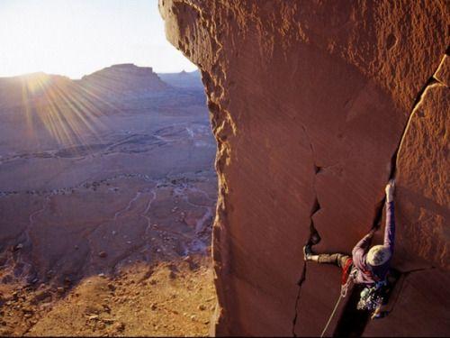 climberclimbing:  Sacred Space (5.11) in Indian Creek, Utah