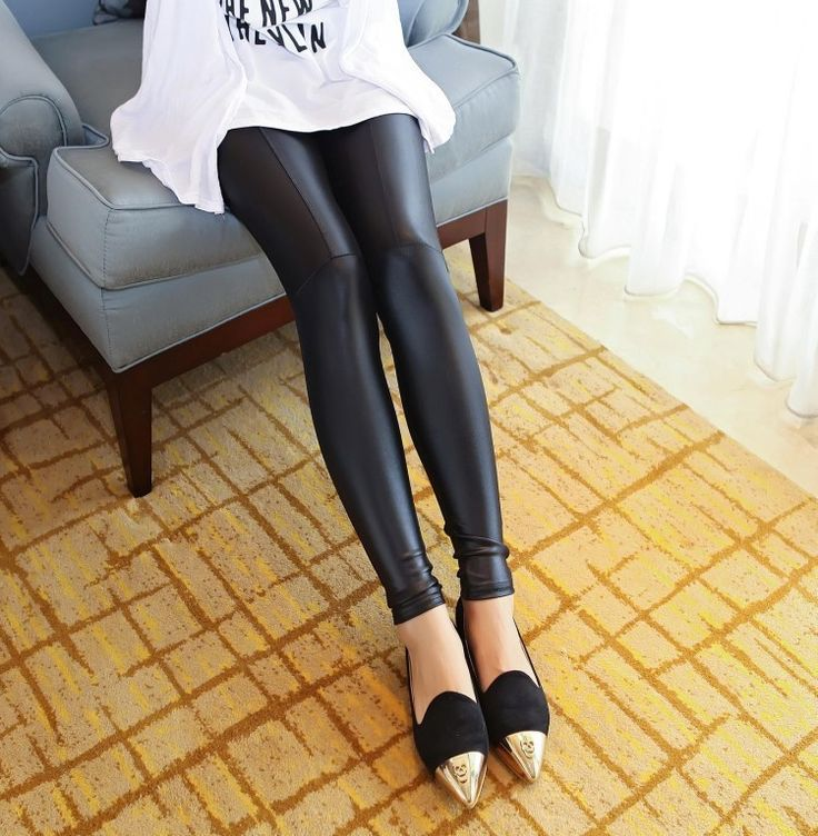 Дешевое Девушки сексуальный черный хаки искусственной кожи леггинсы женщины блестящие кожаные штаны бесплатная доставка тонкий брюки размер S XL, Купить Качество Леггинсы непосредственно из китайских фирмах-поставщиках:     100% новый и высокое качество       Материал: искусственная кожа       Цвет: черный       Хаки        Размер: