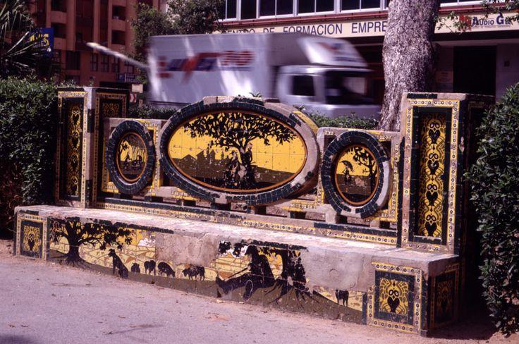 Parque Ribalta. Banco  de los buhos(nº1)  Estado original Castellón