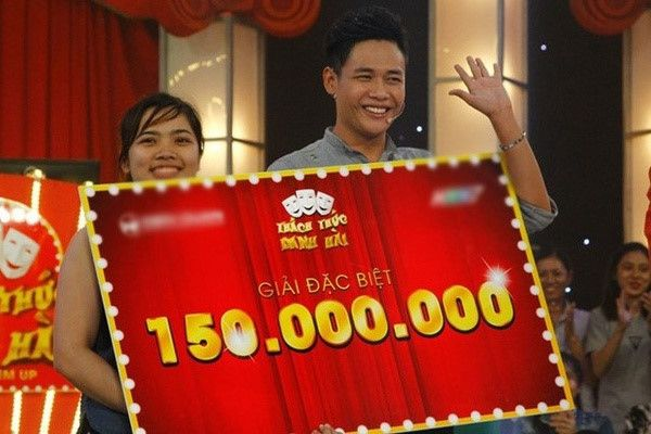 Game show Việt đã nhiều lần gây bão dư luận với những scandal như dàn xếp kết quả, nội dung thiếu văn hóa hay nghệ sĩ xúc phạm nhau khi cùng tham gia một chương trình.http://duoihinhbatchu.net/tin-game-show/game-show-viet-va-nhung-chieu-tro-lam-du-luan-day-song.html