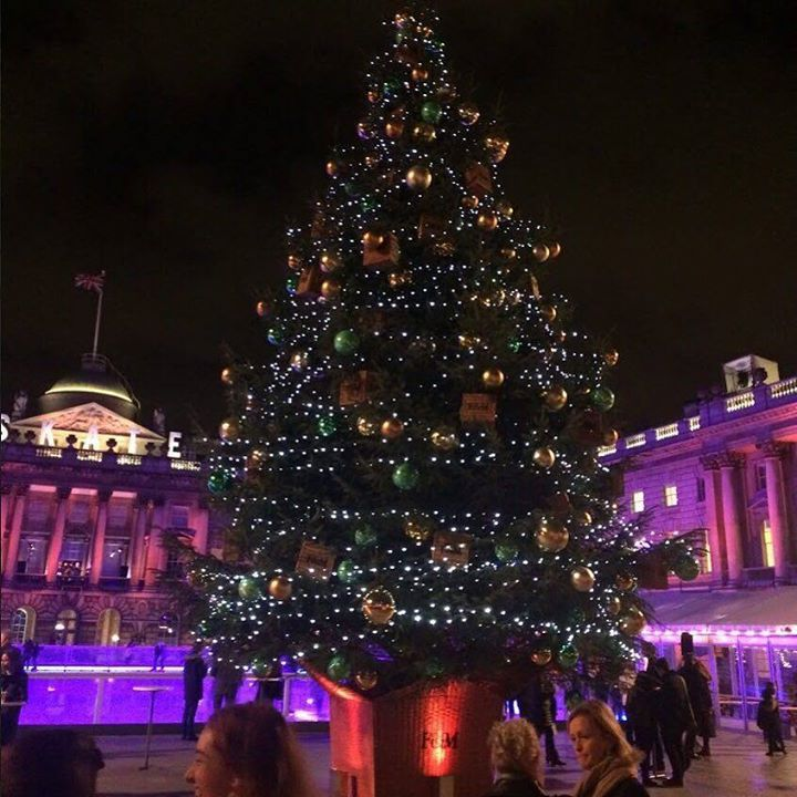 Festive frolics at Skate at Somerset House. Best way to spend a wintery Saturday evening! #somersethouse #iceskating by redmagazine https://instagram.com/p/-orPY9vrSF/ #Flickr via https://instagram.com/hotelspaschers #TeamFollowLive