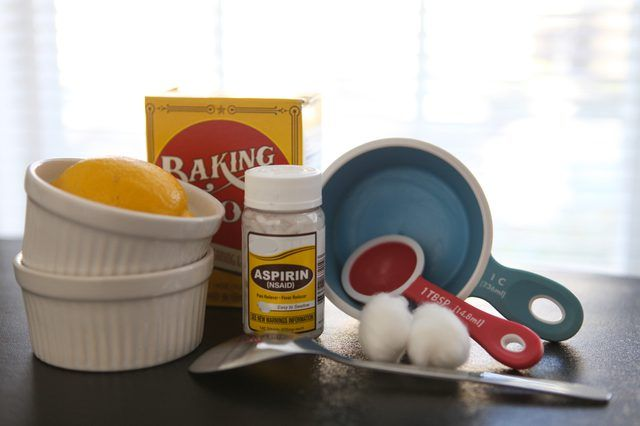 Homemade Salicylic Acid Peel http://www.wartalooza.com/treatments/compound-w-wart-remover