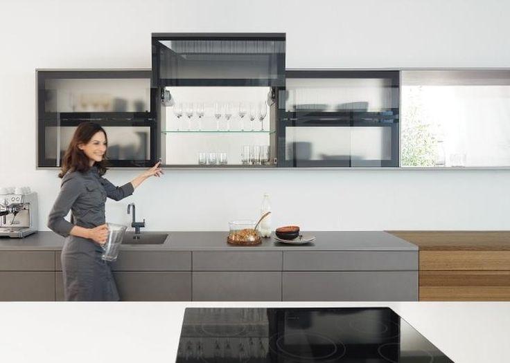 Pantry Keuken Marktplaats : Foto: Bovenkasten met klapdeuren maken uw keuken praktisch. AVENTOS