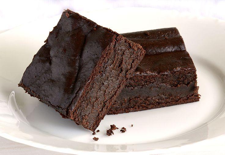 Met de nieuwe smaak van Hands Off My Chocolate, Crispy Cookie, heb ik deze heerlijke brownies gebakken die smaken naar karamel zeezout!