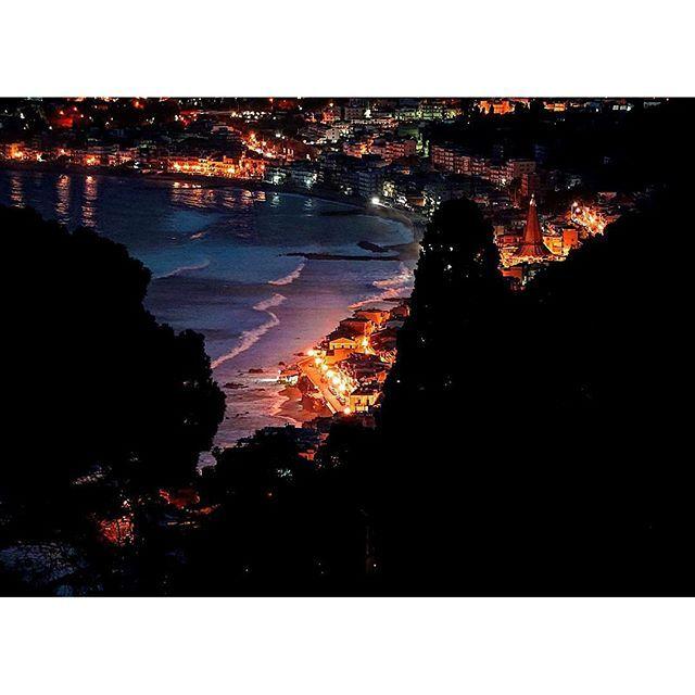 """""""Nelle città senza Mare… chissà a chi si rivolge la gente per ritrovare il proprio equilibrio…  #taormina #view #sea #landscape"""" Photo taken by @sedeluca on Instagram, pinned via the InstaPin iOS App! http://www.instapinapp.com (10/22/2015)"""