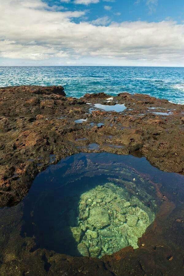 Hulopoe Bay, Hawaii