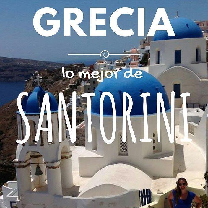 """Grecia era uno de los items de mi """"lista de lugares a conocer antes de morir"""" y pude lograrlo. Recorrí Atenas Mykonos y Santorini y quedé fascinada y con ganas de más!  Sí soy esa cosita azul ahi abajo """"camuflada"""" en el paisaje.  Link en la BIO con lo mejor de Santorini  #Grecia #Greece #Santorini #Oia #Europa #Europe #viajeydescubra #travelblogger #iamTB #comuviajera #viajar #travel #instatravel #photooftheday #picoftheday #instatraveling #igpassport #instago #lifestyle #mytravelgram…"""