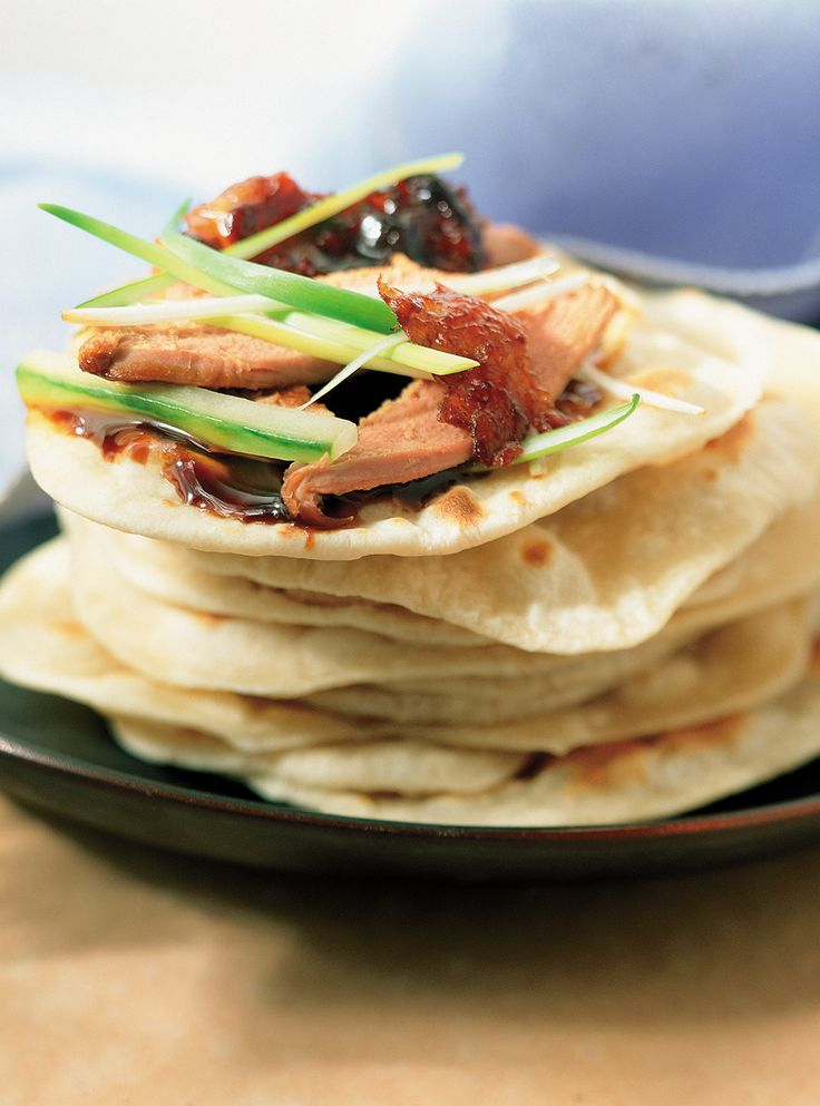 Recette de canard laqué. Recette inspirée de celles qu'on trouve en Chine et à Pékin. Avec des étoiles d'anis, du céleri, du miel, de la sauce hoisin. Recette aux saveurs asiatiques.