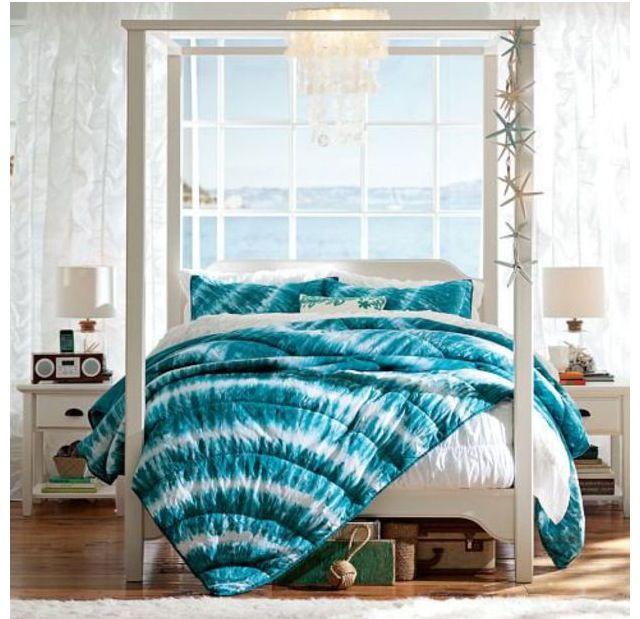 Blue tye dye bedspread