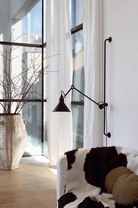 Adjustable wall lamp with swing arm N° 214 | Wall lamp by DCW éditions