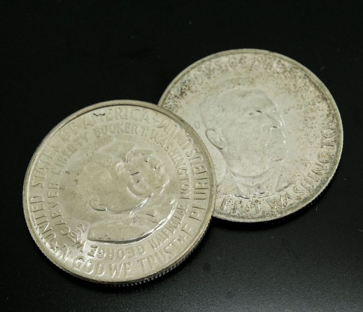 30.5mm in diameter. 12.5 grams. 12.4 grams. This is an estate found pair of United States commemorative 50 cent coins. The group includes Age: 1950 & 1952. jewelry watches coins & currency fine art silver rare collectibles furniture & decorations americana sale more.