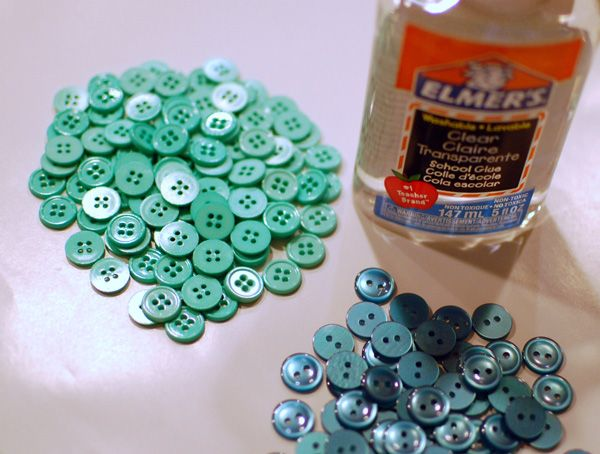 How to make a bowl out of buttons