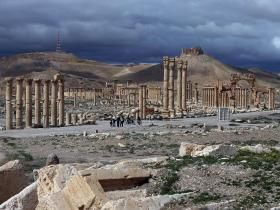 Palmyra: Isis destroys Roman triumphal arch in ancient Syrian city | Middle East | News | The Independent