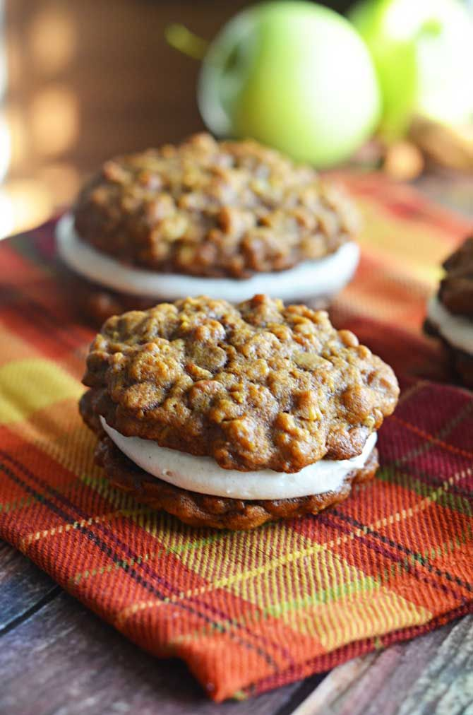 Pumpkin & Apple Cider Oatmeal Creme Pies.