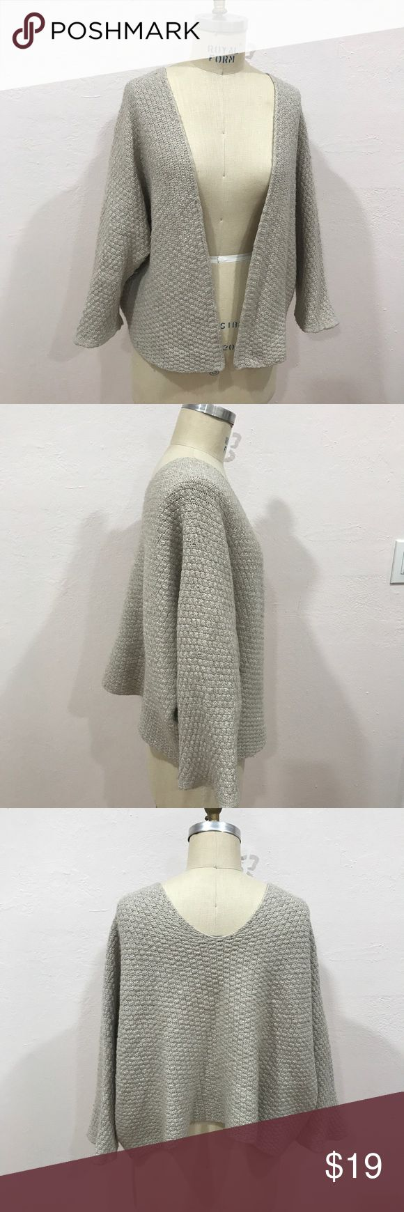 Brandy Melville Cardigan Good Quality and Condition  Beautiful style Can also wear as off-shoulder style One size Brandy Melville Sweaters Cardigans