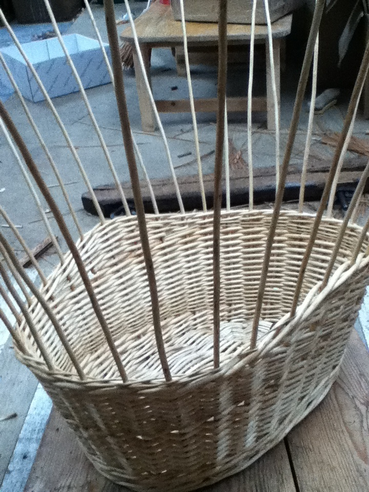 7 of 10 - washing basket being made - final wale before border